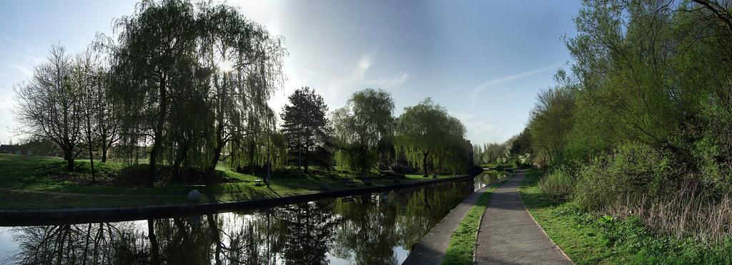 Middleport park canal