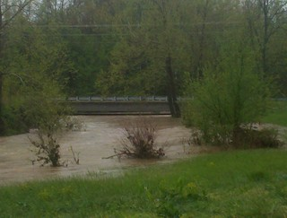 Cassville flood - 25 april 2011 - bridge by new recycling facility | by greckle