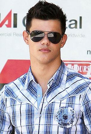 Taylor-Lautner-dark-su... Taylor Lautner