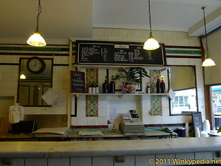 the Bonnie & Wild (M.Manze's traditional Pie & Mash hall) | by Winkypedia.net