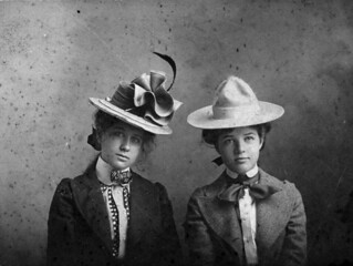 Photograph of Bess Wallace and Mary Paxton, 1901 | by The U.S. National Archives
