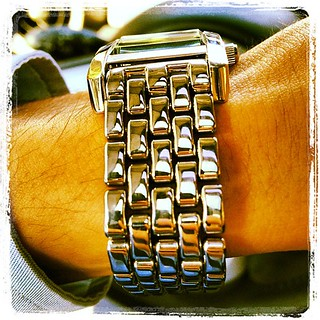 Seaux shynee #gay #tampa #watch #wrist #metal #steel #emporio #armani #clean #bracelet #ybor #monday #accessory | by Remarqed.com