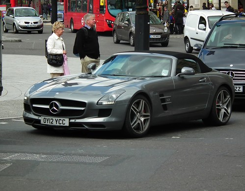Mercedes-Benz SLS AMG | by kenjonbro