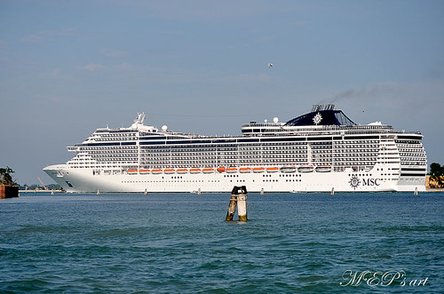 Cruise Ships in Venice: MSC Divina is leaving Venice through the channel of Lido (1/3) | by MEP's Art Wishes Love & Peace