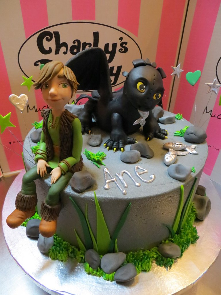 How to train your pet dragon themed birthday cake flickr how to train your pet dragon themed birthday cake by charlys bakery ccuart Choice Image
