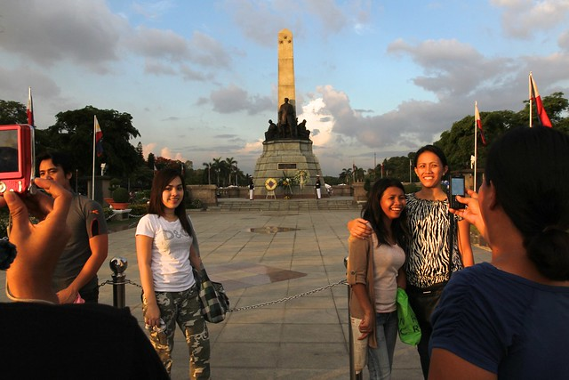Picture-taking at Rizal Monument