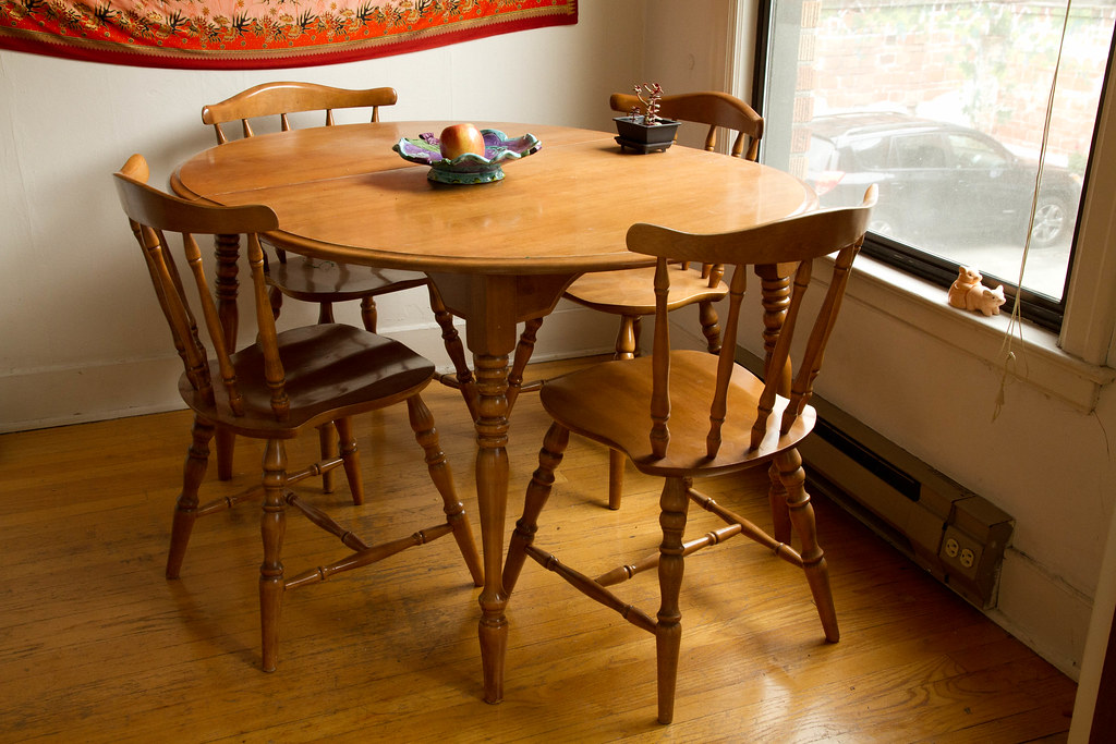 for sale 100 maple kitchen table and 4 chairs by bitmask - Maple Kitchen Table