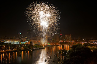 fireworks over st. paul minnesota july 4th | by Dan Anderson.
