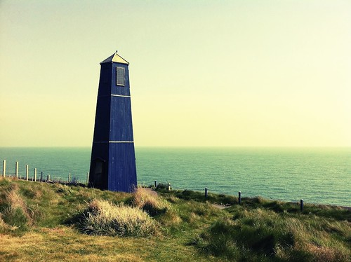Samphire Hoe Tower | by A Guy Taking Pictures