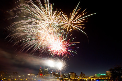 4th of July Fireworks in Downtown Portland Oregon Waterfront 3 | by David Gn Photography
