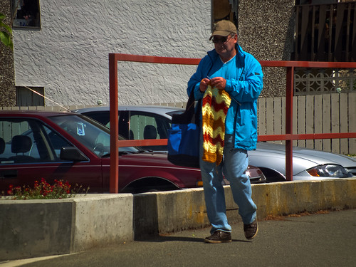 Knitting While You Walk In Victoria BC | by Canonac