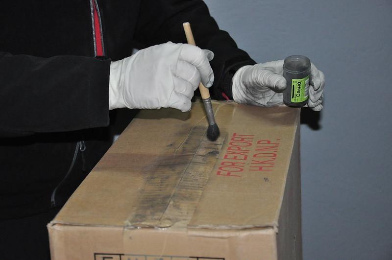 Напаковану цигарками фуру затримали на Закарпатті: водій намагався чинити опір (ФОТО, ВІДЕО)