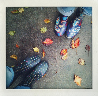 Rainy day photiga walk to breakfast with Tiff. | by jenn_7