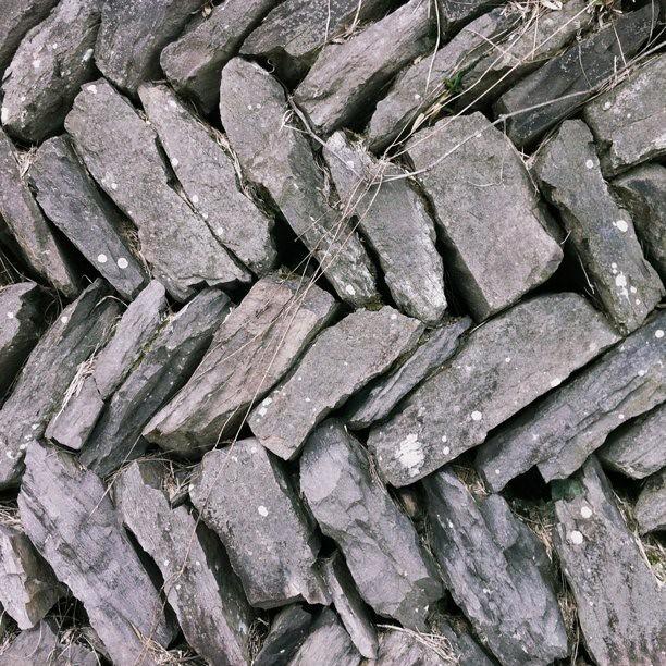 石垣の積み方がとても印象的な、...