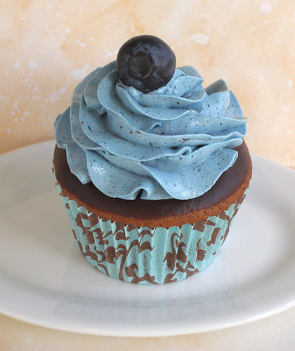 Chocolate Cuppie With Blueberry SMBC | by kellbakes for CraftyBaking.com