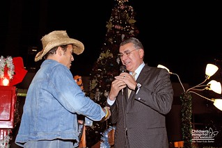 Sean Patrick McGraw and Rich Cordova at Holiday Lighting Ceremony 2010 (12/07/2010) | by Children's Hospital Los Angeles