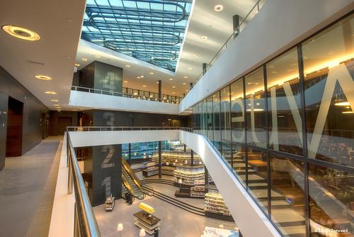 Public library almere name de nieuwe bibliotheek for Floor zegwaard