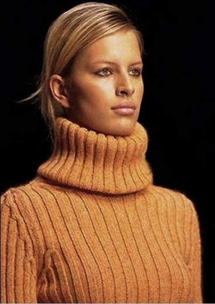 Huge Turtleneck Sweater | No comment needed, WOW! | Flickr