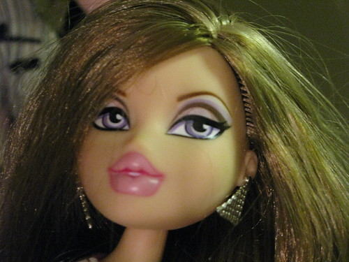 Amazoncom Bratz Basic Promo Doll Carrie Toys amp Games