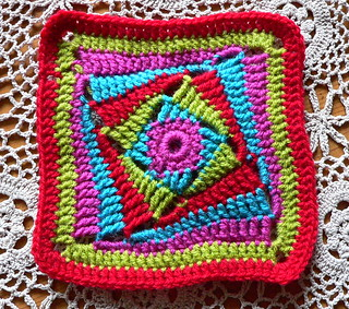 on the huh crochet square | by Lindevrouwsweb