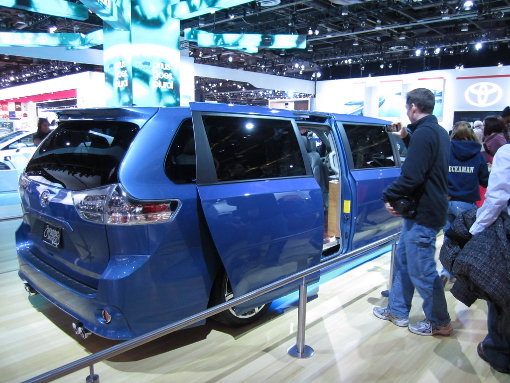 ... Toyota Sienna Swagger Wagon | By Somber_Star
