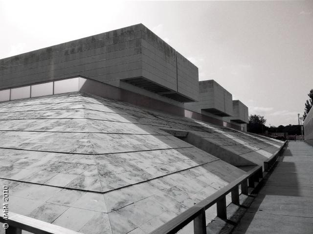 101007-06bn GIRONA - Facultat de Dret - RCR arquitectes