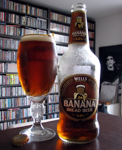 Wells Banana Bread Beer @ Inglaterra | by screamyell