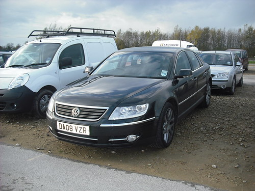 volkswagen phaeton w12 the opponent to the bentley. Black Bedroom Furniture Sets. Home Design Ideas
