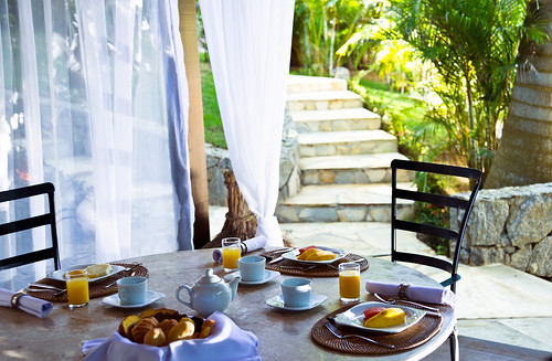 hotel PORTO BAY BUZIOS | breakfast in a private lounge | by PortoBay Trade