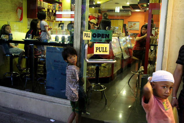 Children in Binondo