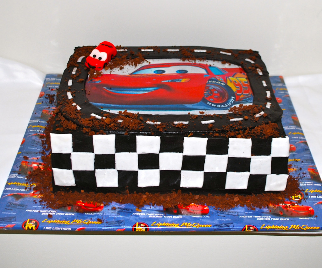 disney cars cake by helens cakes