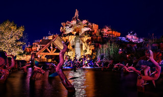 Splash Mountain at Night | by Express Monorail