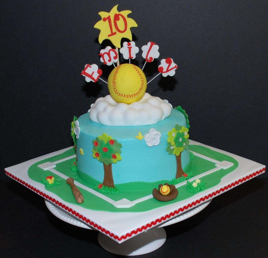 Softball Birthday Cake I Did A Softball Cake Back In Novem Flickr