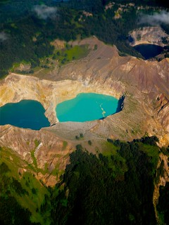 Kelimutu and its color lakes | by Nacho García-Valdecasas