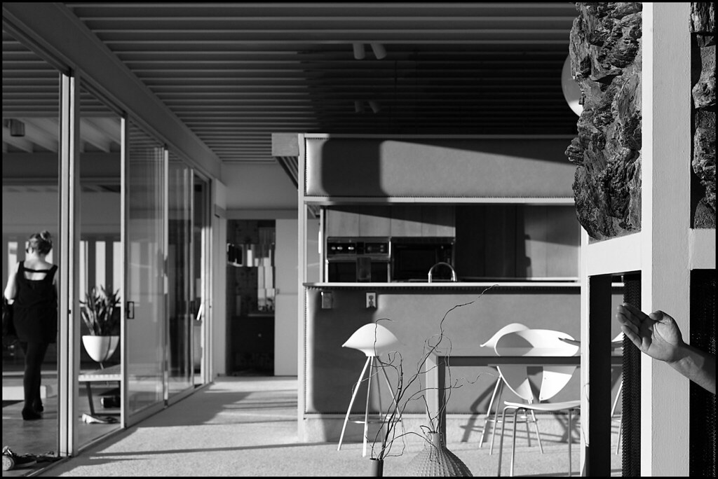 Case Study House     Los Angeles  California by Julius Shulman on     Wikipedia Julius Shulman  Stahl house  case study house      Los Angeles