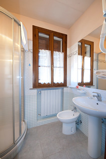 Bagno | by Hotel Antica Badia