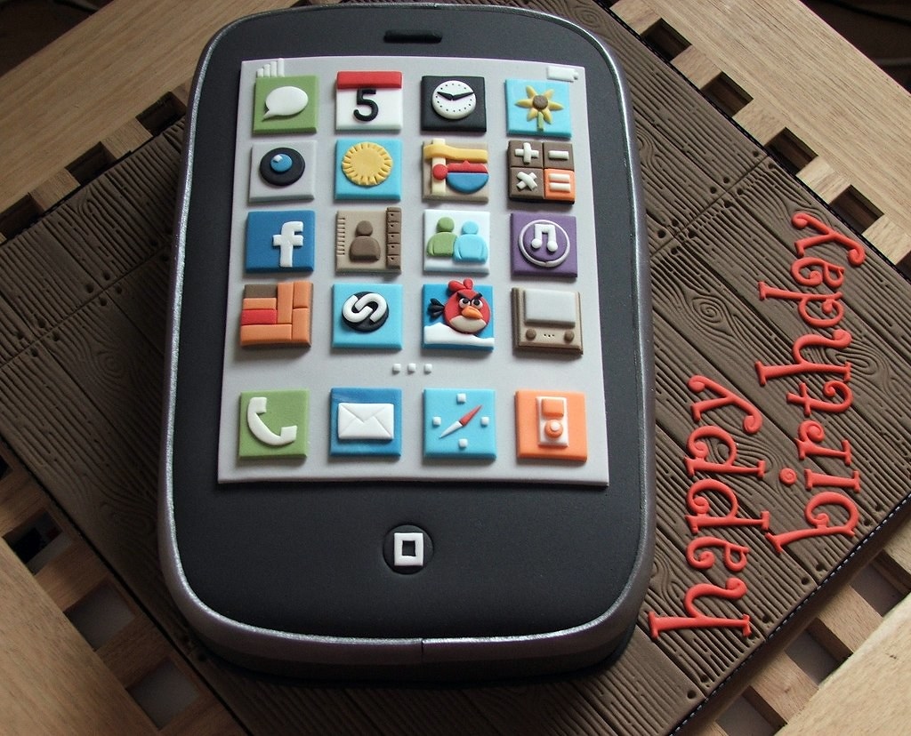 Iphone Birthday Cake Iphone Birthday Cake Made For My Boyf Flickr