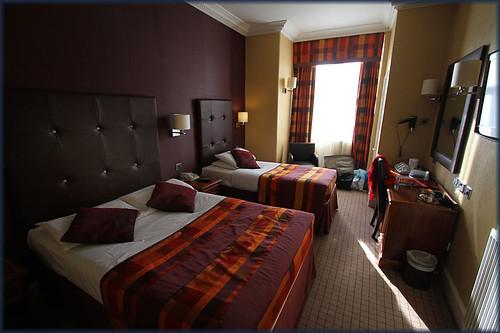 Fr Hotel Room