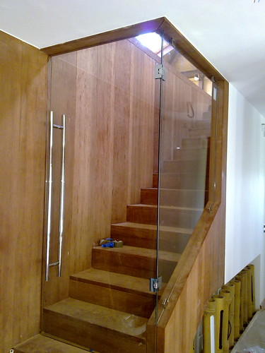 Cerramiento de escalera cerramiento de escalera for Cristaleria benissa