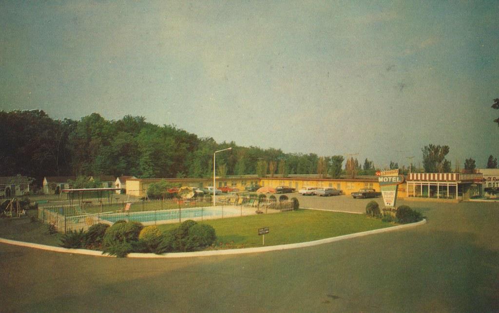 Ashbury Motel - Niagara Falls, Ontario