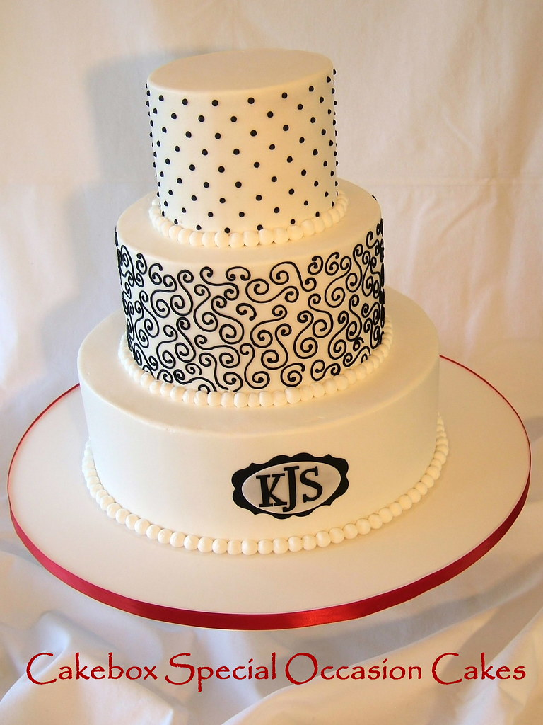 Scrollwork Wedding Cake | Buttercream with black royal icing… | Flickr