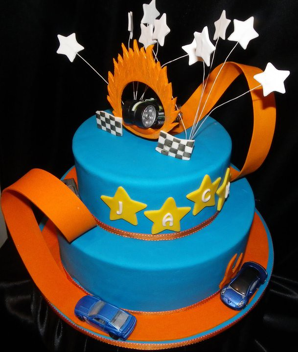 Hot Wheels Track Birthday Cake Had A Lot Of Fun Making Thi Flickr