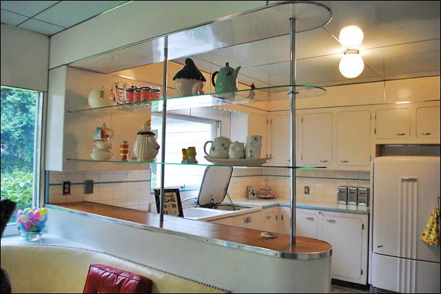 Post War Moderne Kitchen - 2011 Portland Kitchen Tour | Flickr