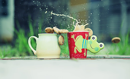 Cookie fly, Drink splash | by Ford Wong