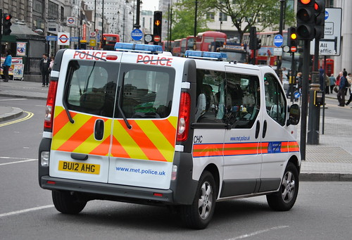 Metropolitan Police / Vauxhall Vivaro / Officer Carrier / CHC / BU12 AHG | by Chris' 999 Pics