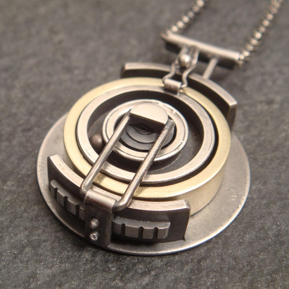 Lovely wedding ring holding pendant 2 | An alternate view of the ho… | Flickr MK66