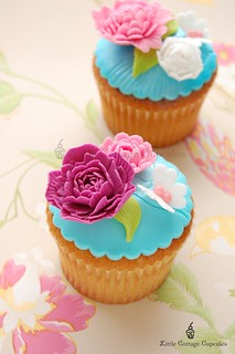 Fuschia Romance! | by Little Cottage Cupcakes