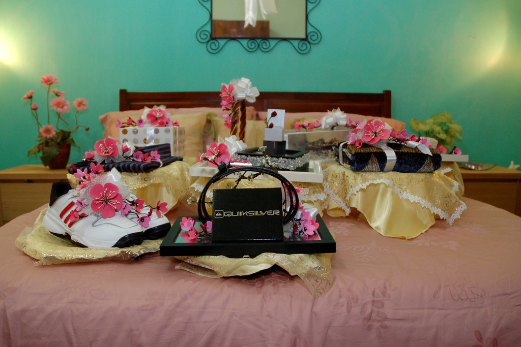 My Sisters Wedding Gifts Here Are 9 Gifts Known As Hanta Flickr