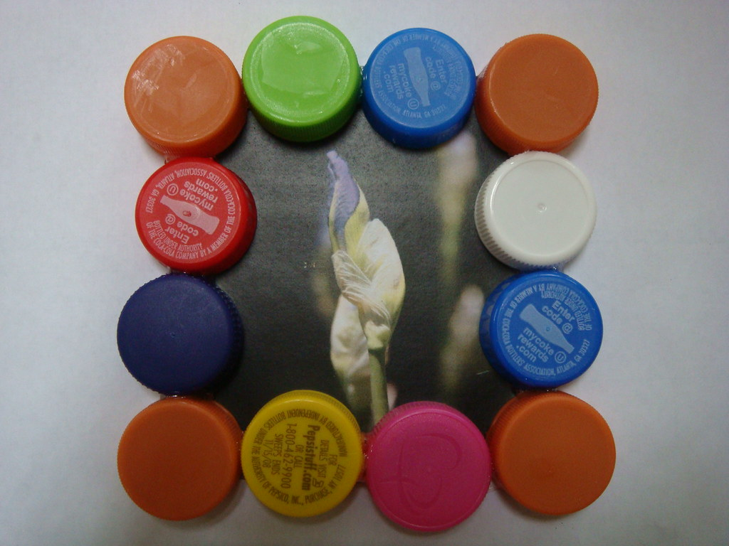 Plastic Bottle Cap Picture Frame   When we used to drink lot…   Flickr