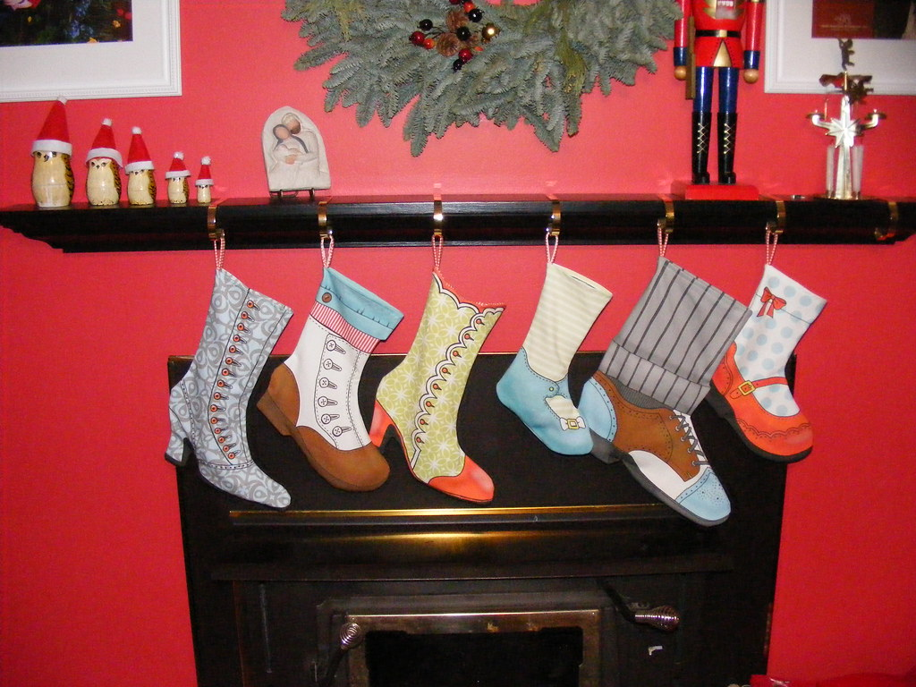 the stockings were hung | my entry in the spoonflower "|1024|768|?|df4d0fd935701bfa47ba8bf5c8c4600b|False|UNLIKELY|0.32433778047561646